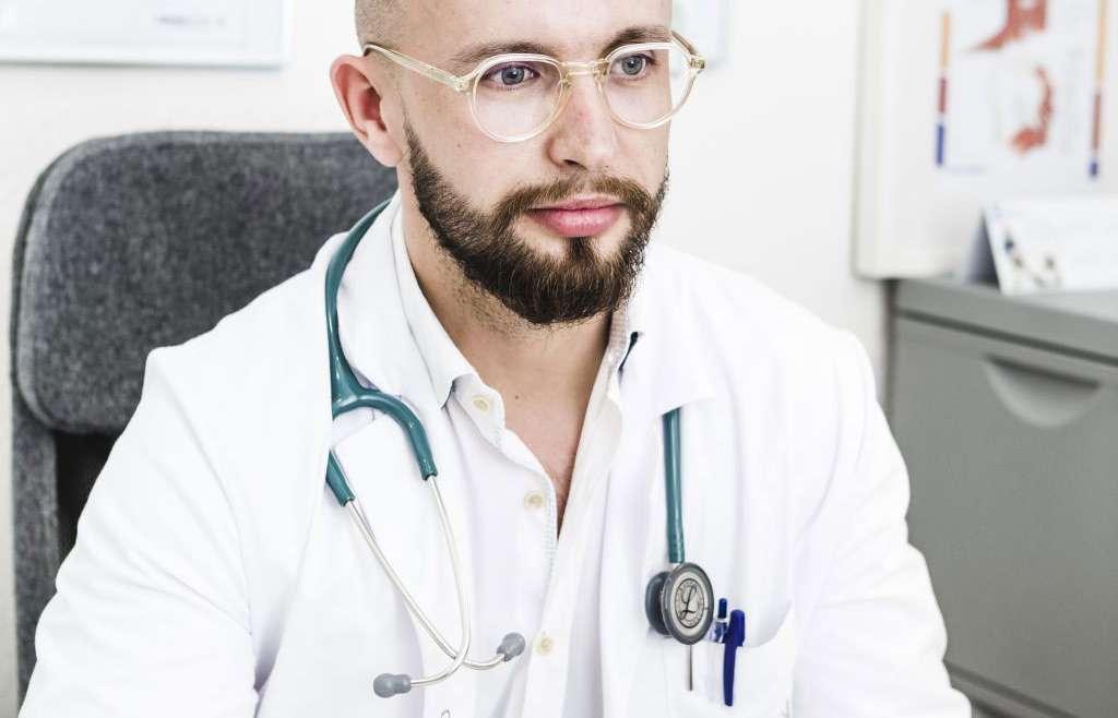 Entrevista Dr. Sergiu Vieru especialista en medicina y dermatología estética.